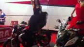 Francesca Pascale al Motor Bike Show. VIDEO ELISA PASETTO