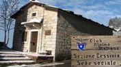 Sopra: Silvano Vinco e l'attuale sede del Cai «Lessinia»