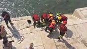 Il curioso ritrovamento in Adige da parte dei vigili del fuoco. VIDEO PERBELLINI